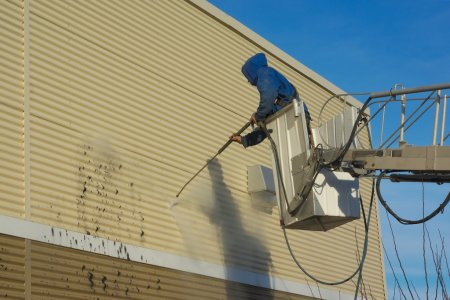 cleaning-wall-pressure-washing